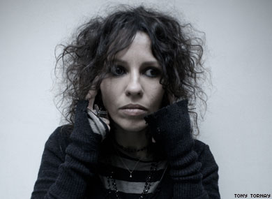 Linda Perry: Keeps Gettin' Better