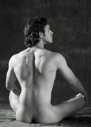 Hot Nude Yoga Becomes Gay Trend