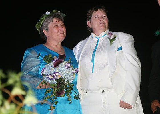 These Buffalo Gals Got Married By the Light of the Moon