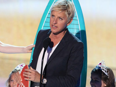 Ellen DeGeneres Wins Teen Choice Award