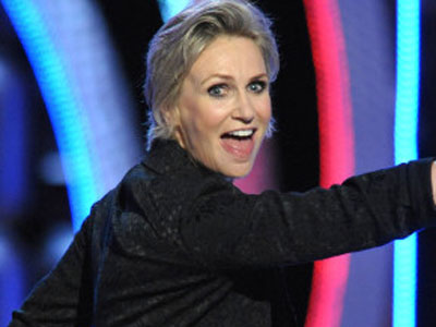 WATCH: Jane Lynch Roasts Roseanne and Chick-fil-A