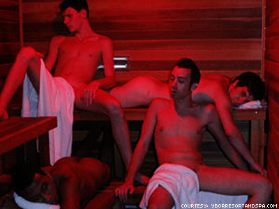 Tampa Bathhouse Offers Free Admission to GOP Delegates