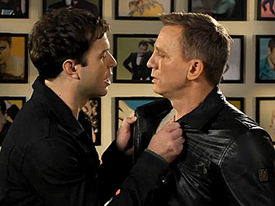 A Kiss Initiation for SNL Host Daniel Craig