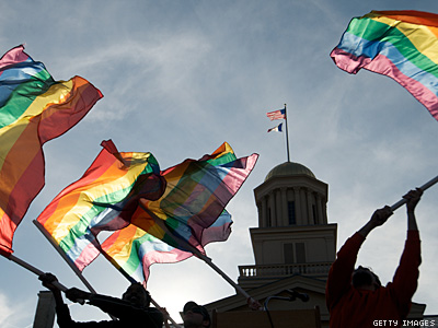 University of Iowa Includes LGBT Identity in Admissions Process
