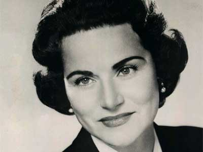 Dear Abby, Gay-Friendly Advice Columnist, Dead at 94
