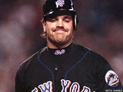 Former MLB Player Mike Piazza: No, Really, I'm Not Gay