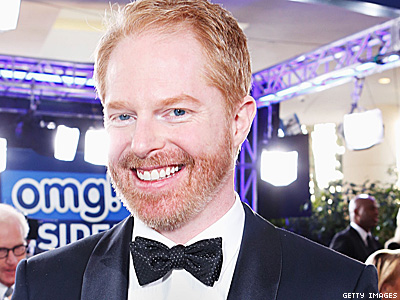 Jesse Tyler Ferguson Joins Hot in Cleveland for Mary Tyler Moore Reunion