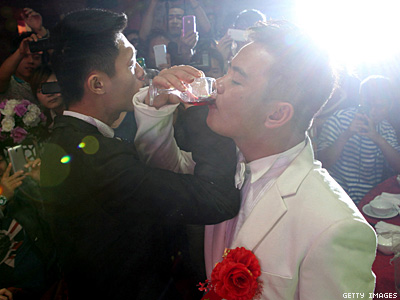 Eighty Percent of Gays in China Marry People of Opposite Sex