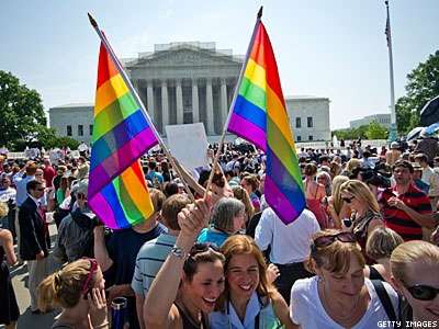 Poll: Americans Want Supreme Court to Decide National Marriage Equality