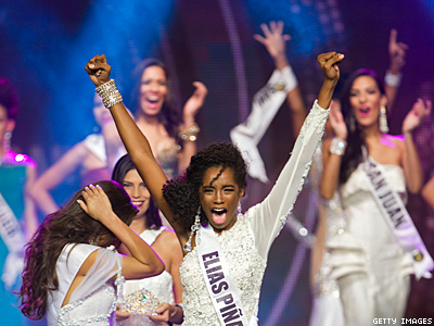 Should Miss Universe 2013 Get Out of Moscow?
