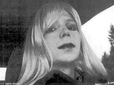 Bradley Manning Sent This Photo to Doc With Letter Titled 'My Problem'