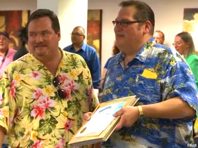 N.M. Couples Rush to Sign Marriage Licenses