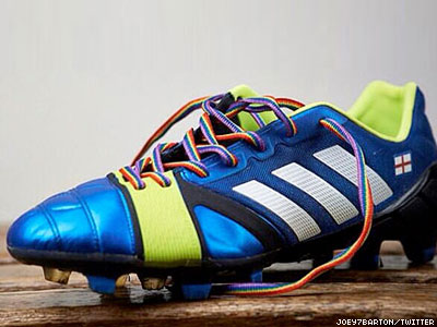 With Rainbow Laces, U.K. Soccer Stars to Stand 'Right Behind Gay Footballers'