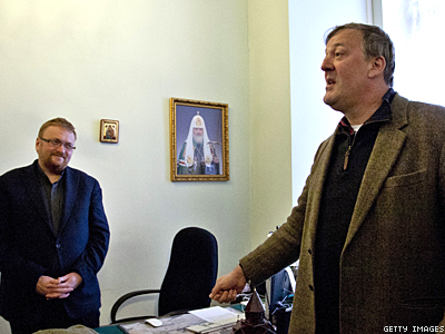 Russian Pol Calls Actor Stephen Fry a 'Bringer of Evil'