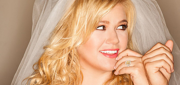 Kelly Clarkson Tie It Upx633 0