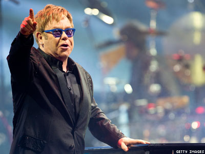 Elton John Wants to Introduce Putin to LGBT Russians 'Who Deserve to Be Heard'