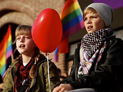 WATCH: Swedes Sing Russian National Anthem to Show LGBT Support