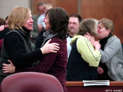 Federal Government Will Recognize 300 Michigan Marriages