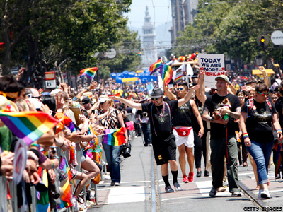 San Francisco Pride Apologizes, Honors Chelsea Manning