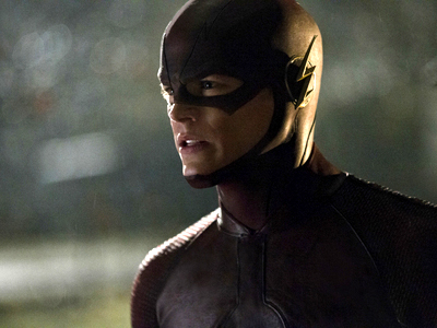 WATCH: Grant Gustin Burns Rubber in The Flash 5-Minute Extended Trailer