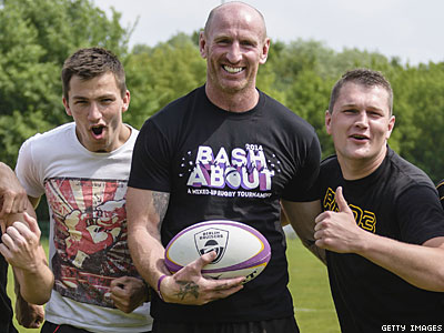 Berlin: Gareth Thomas Trains With Gay Team