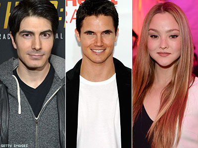 CW Heats Up Superhero Shows With New Cast Members