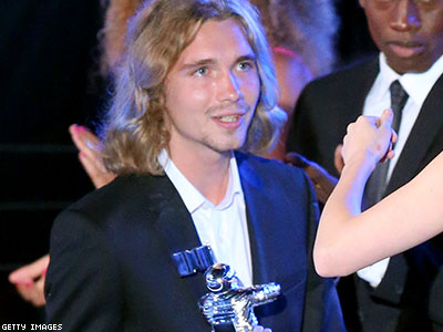 Op-ed: Miley's Date Proves Homelessness Is the Real Crime