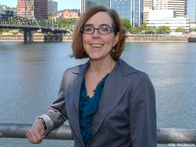 Oregon: Kate Brown To Become First Out Governor After Kitzhaber's Resignation