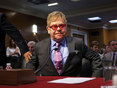 WATCH: Elton John's Powerful Message: 'This Congress Can End AIDS'
