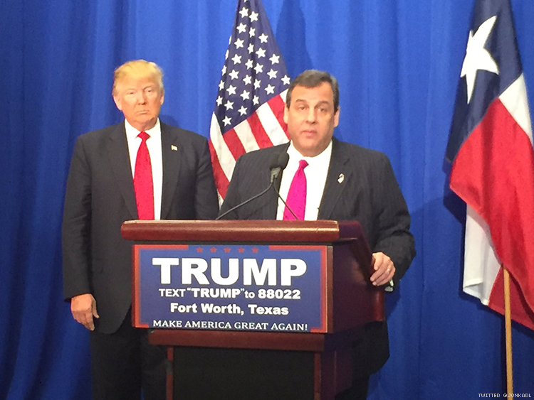 Chris Christie endorses Donald Trump