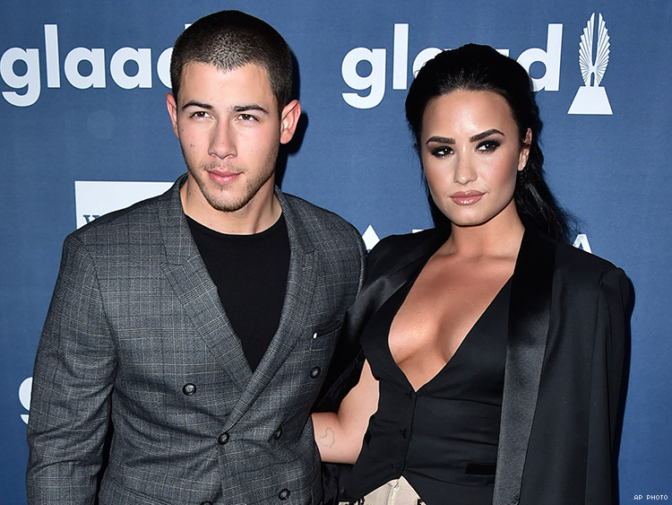 are demi lovato and joe jonas dating 2012