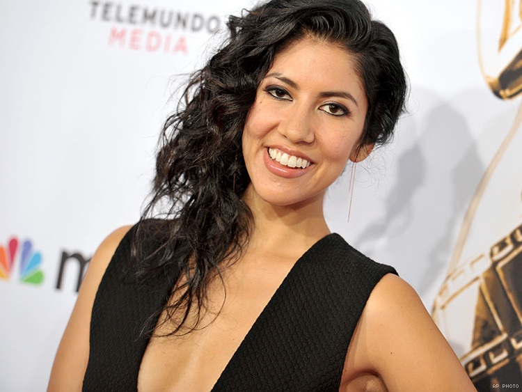 stephanie beatriz insta