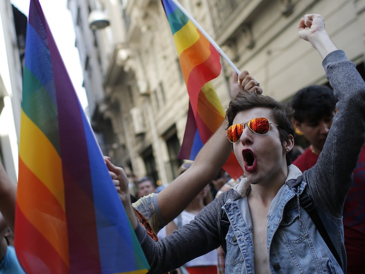Police Enforce Ban on Istanbul Pride March