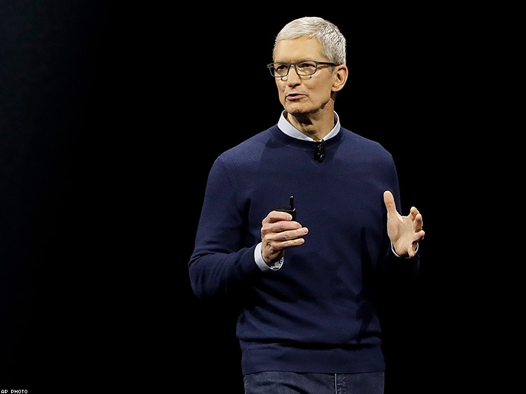 Apple's Tim Cook Denounces Trump's Support for Racist Groups