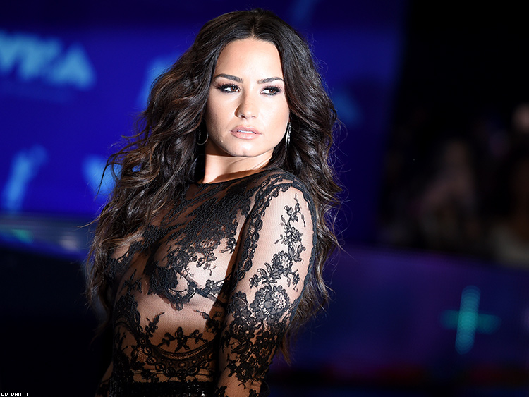 Demi Lovato Fires Back After Being Criticized For Not Revealing Sexuality