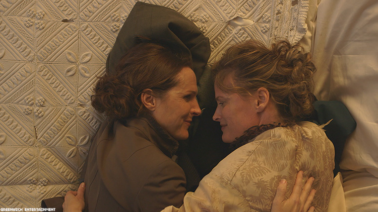 Molly Shannon Re-Gays Emily Dickinson in 'Wild Nights'