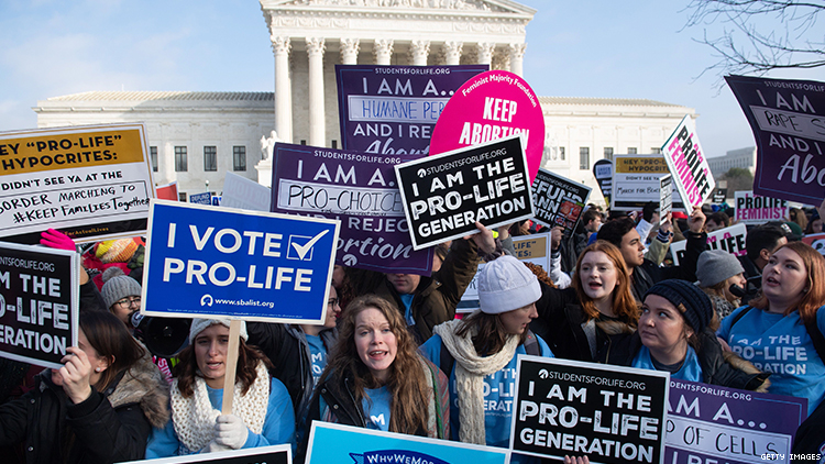 Alabama Legislatures Votes To Ban Nearly All Abortions
