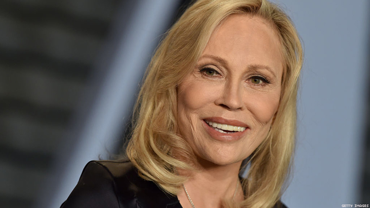 Faye Dunaway Sued for Calling Personal Asst. 'Little Homosexual Boy'