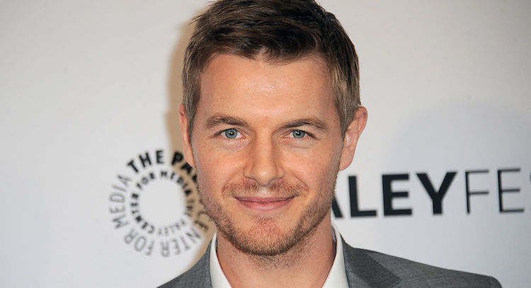 'The Flash's' Rick Cosnett Comes Out as Gay in Sweet Video