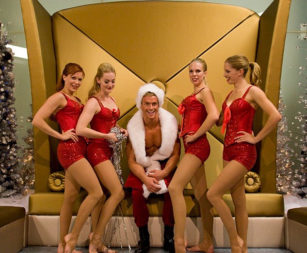 Hunky Santa With Candy Cane Girls01x633
