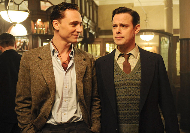 Tom Hiddleston The Deep Blue Sea Movie Stills Tom Hiddleston 26445571 1400 932
