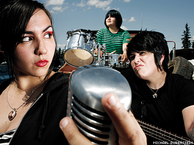 Girlinacoma MichaelrubensteinX400