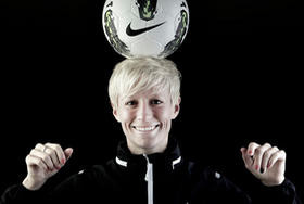 Us Womens Soccer Star Megan Rapinoe Confirms Shes Gay Out