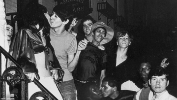10 Iconic Photos of LGBTQ History From Getty Images
