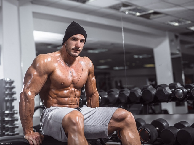 My str8 workout buddy has sex with me