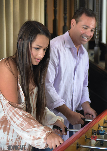 Jazz Jennings With Dad X450d 0