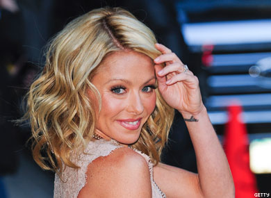 Kelly Ripa Gets the Point