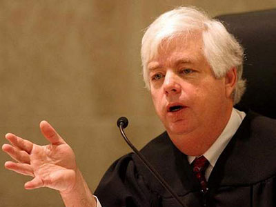 Iowa Retains Judge Who Joined Marriage Equality Ruling
