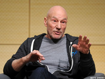 Patrick Stewart Announces He's Straight, Eats Lots of Chicken Wings