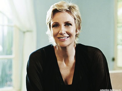 Jane Lynch Goes Solo in Concert Debut